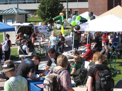 Welcome Back NMU 2011 Academic Mall