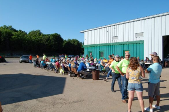 A Popular Community Event - mediaBrew Runs Like A Deere Giveaway Party