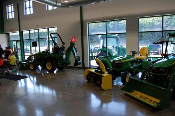 Northland Lawn, Sport & Equipment - 14 US 41 E Negaunee, MI 49866 - (906) 289-0946